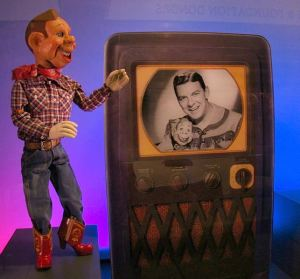 The original Howdy Doody on exhibit at the Detroit Institute of Pupper Art, -- Wikimedia photo