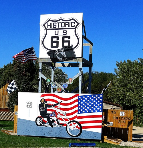 There's not much more American than Route 66. -- Photo by Pat Bean