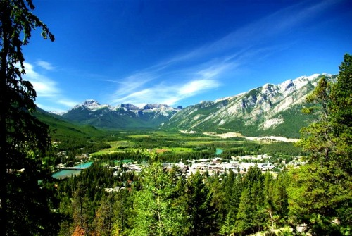 Banff, a tiny town nestled in Banff National Park's eye-dropping-mouth-opening-wow! landscapes. -- Wikimedia photo